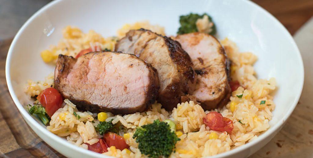 Свиная вырезка с рисом