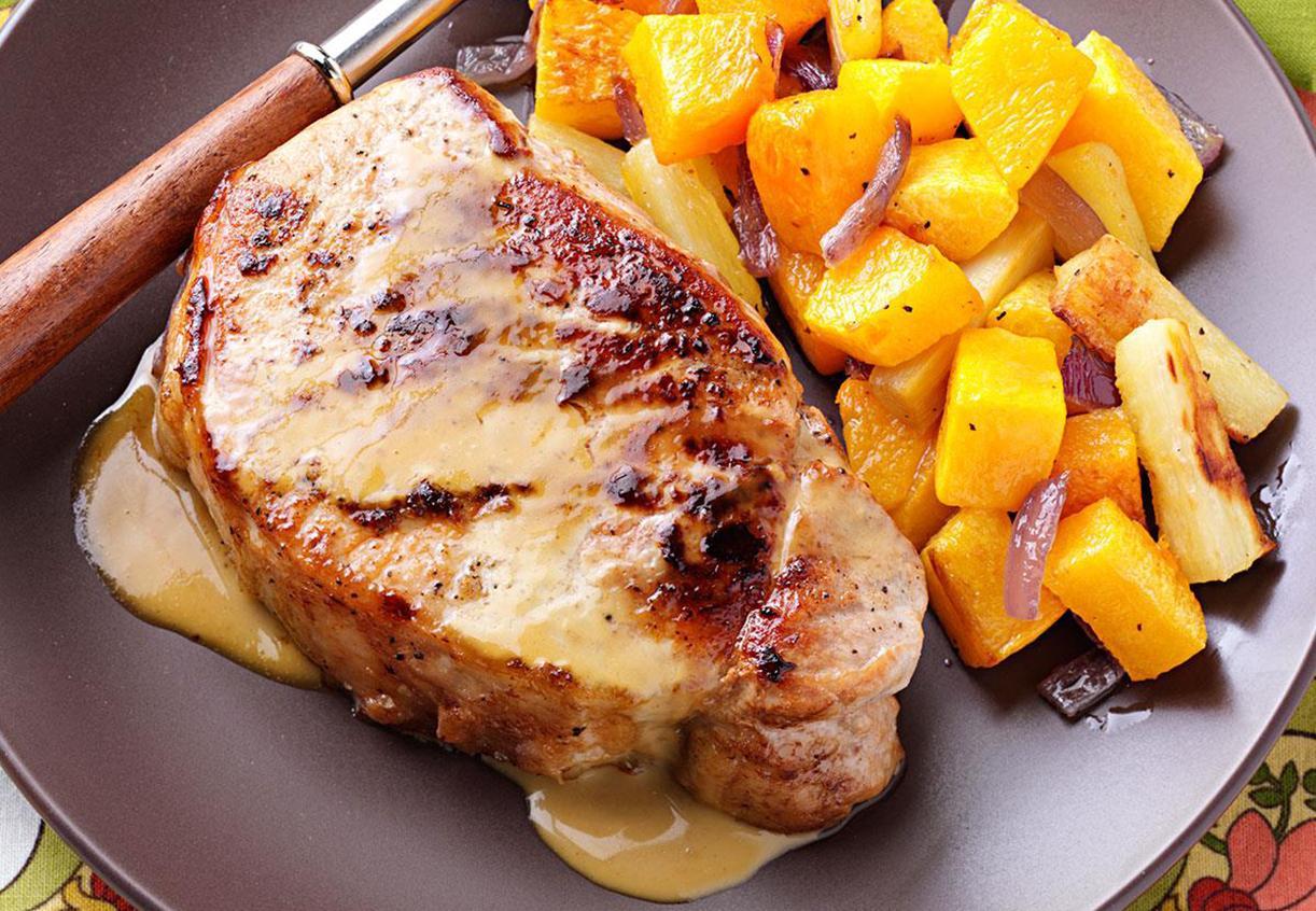Свиной стейк с горчичным соусом