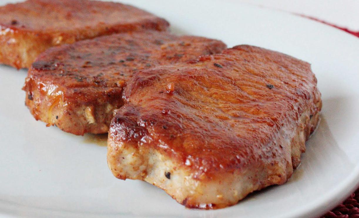 Свиной стейк в духовке в медовом маринаде