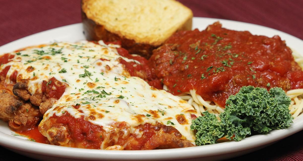 Отбивные из говядины с сыром и помидорой