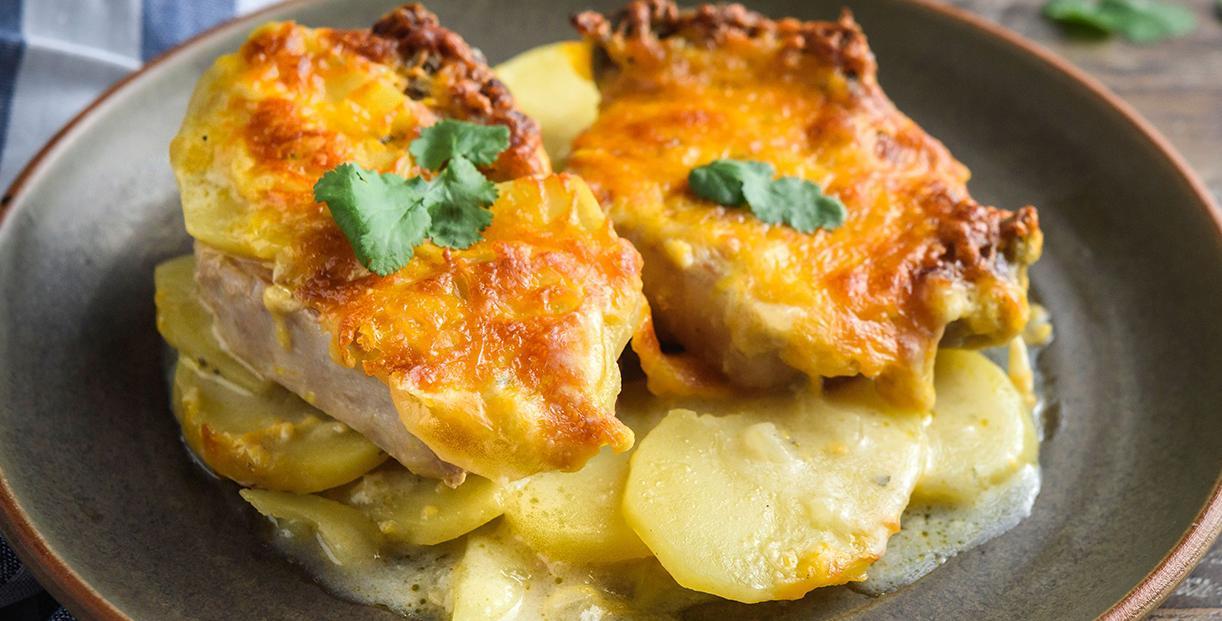 Отбивные из свинины в духовке с картошкой
