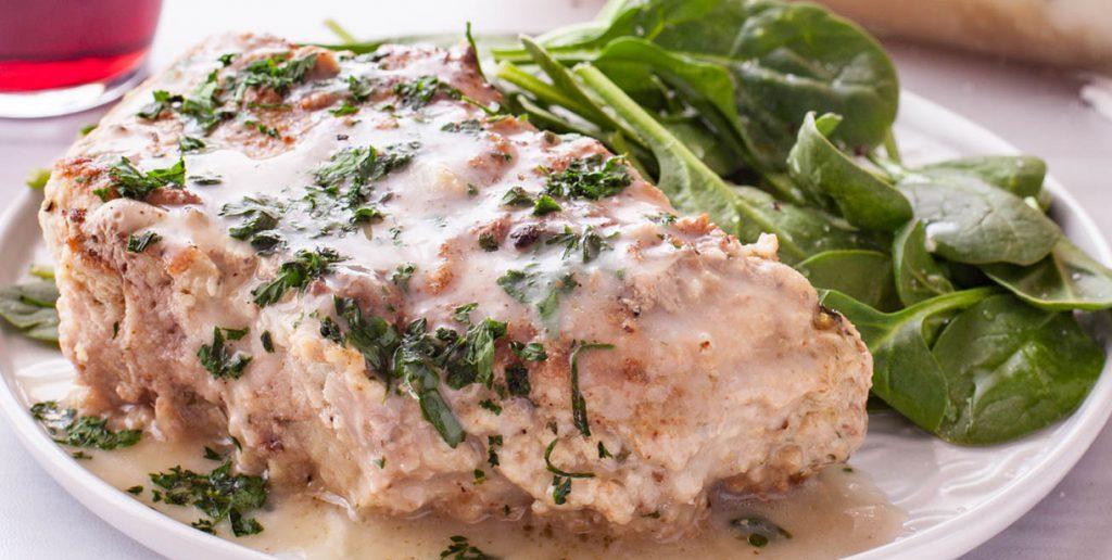 Свиные отбивные с сыром и сметаной в духовке