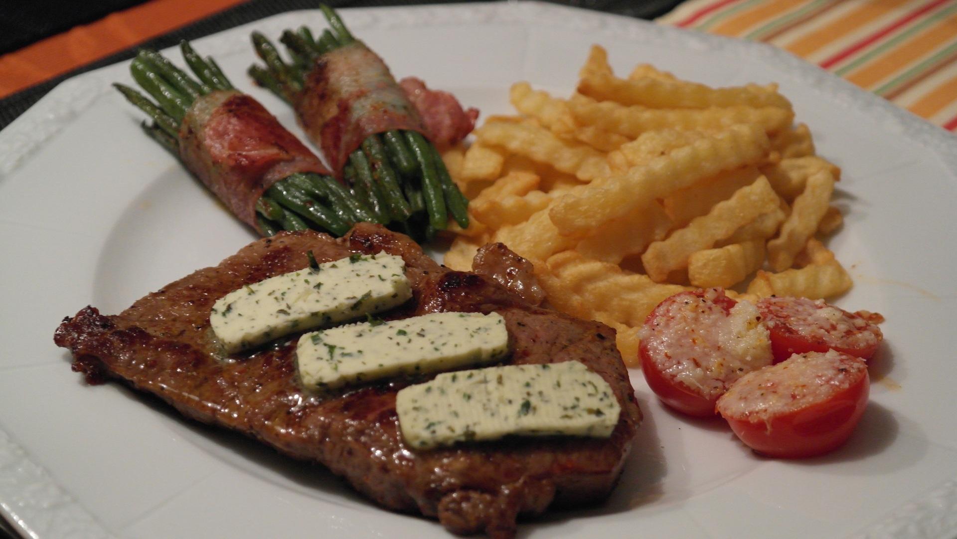 стейк блэк ангус с маслом и овощами