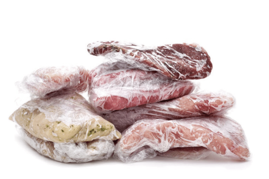 замороженное мясо в пакете