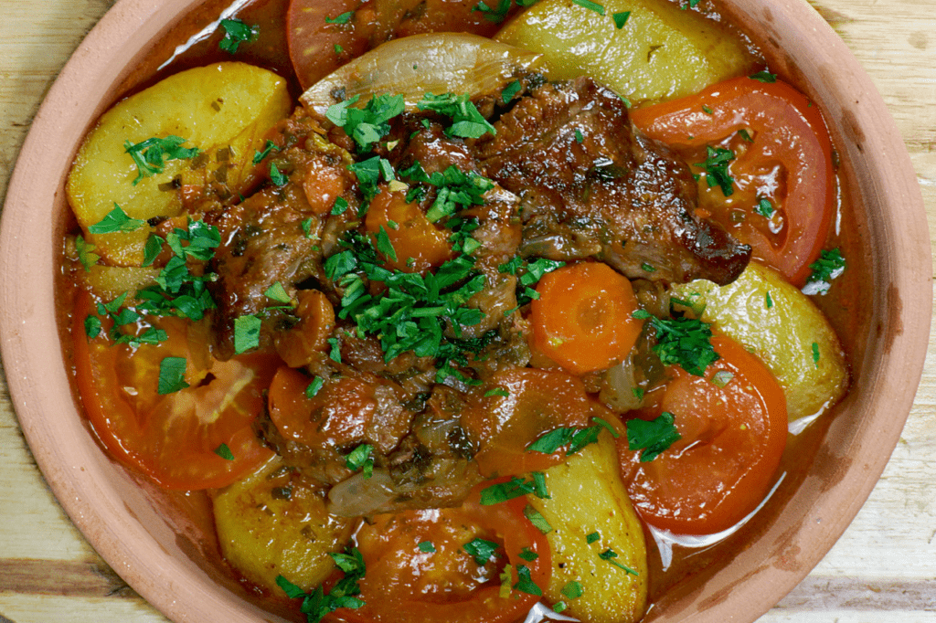 Чанахи по грузински в кастрюле из говядины