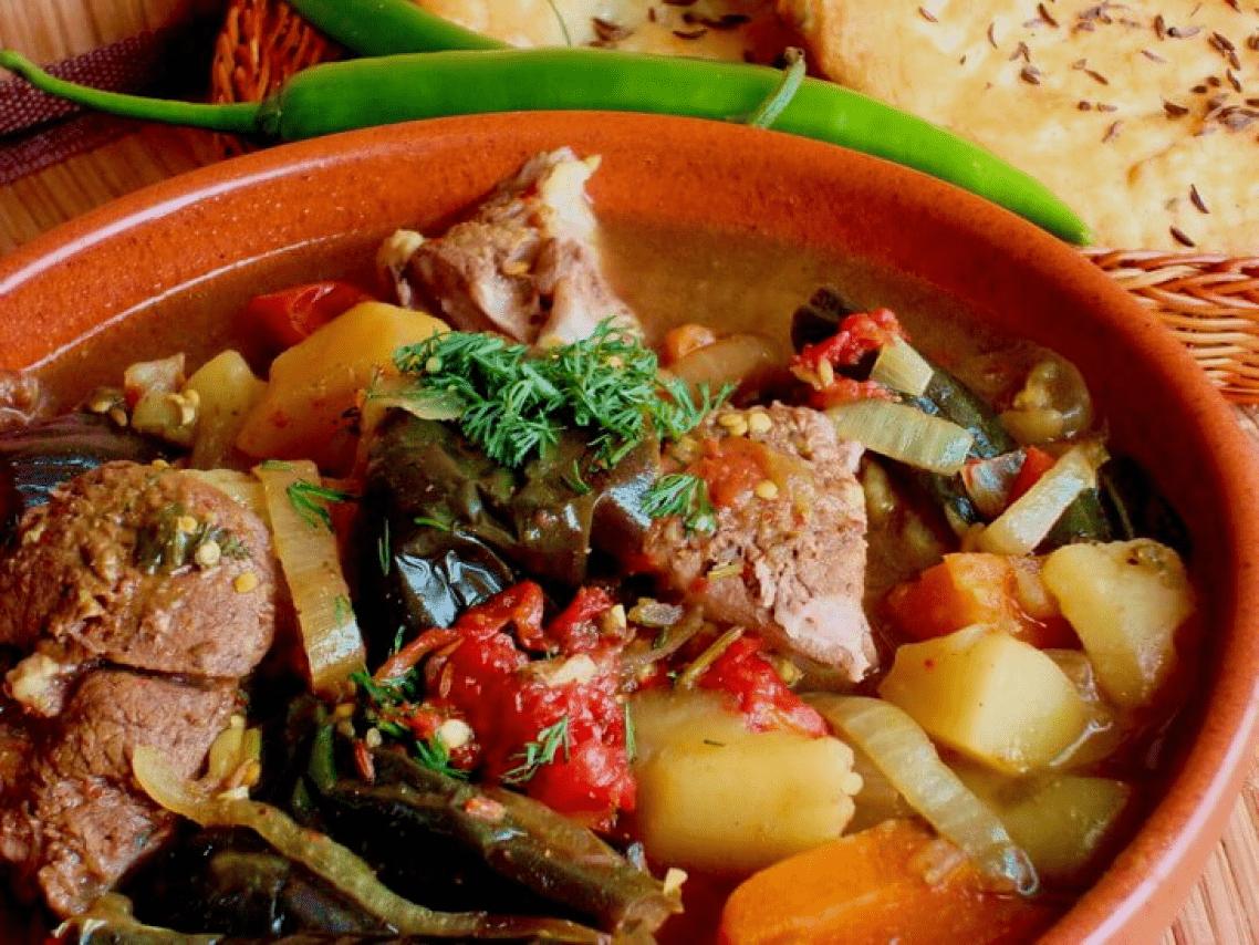 Грузинское блюдо чанахи с баклажанами