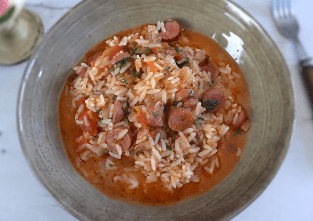 Рис с сосисками в духовке